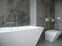Eenvoudig Badkamer Muurverf schuin dak - Badkamer Ideeen